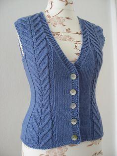 Ladies Cardigan Knitting Patterns, Knitting Stitches, Free Knitting, Bralette Pattern, Vest Pattern, Cardigans For Women, Knit Cardigan, Cable Knit, Knitwear