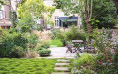 Joanne Bernstein Small gardens   Gardens Illustrated