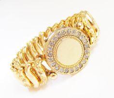 Vintage Sweetheart Locket Bracelet Gold by GrandVintageFinery
