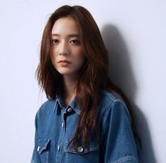 Krystal being 'so CHIC' and gorgeous like always in BTS photos/gifs of Keds Krystal Fx, Jessica & Krystal, Jessica Jung, Krystal Jung Fashion, Girls World, The Most Beautiful Girl, Bridal Makeup, Beautiful Actresses, Pretty Hairstyles