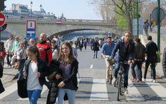 Piétonnisation de la rive droite, acte II, scène I… Paris-Plages, exceptionnellement prolongé cette année sur les berges de Seine, a fermé ses port...