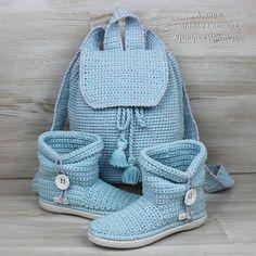 Сапожки вязаные и рюкзак комплект – купить в интернет-магазине на Ярмарке Мастеров с доставкой