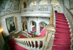 Downton Abbey and Highclere Castle interiors - grand staircase | www.myLusciousLife.com