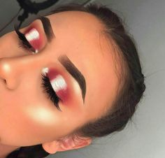 pinterest: https://fashionforpassion2016.wordpress.com/2017/07/01/prom-makeup/