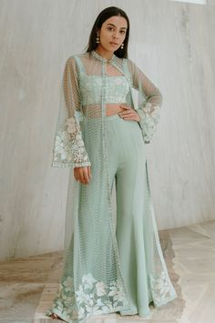 Party Wear Indian Dresses, Designer Party Wear Dresses, Indian Gowns Dresses, Indian Bridal Outfits, Dress Indian Style, Indian Fashion Dresses, Indian Designer Outfits, Girls Fashion Clothes, Indian Dresses For Girls