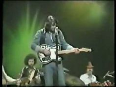 Waylon Jennings - Can't you see Live 1976      What a man, what a man !