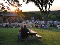 """Thrillist Nashville's """"12 Actually Awesome Date Ideas in Nashville"""" List #Nashville #MusicCity"""