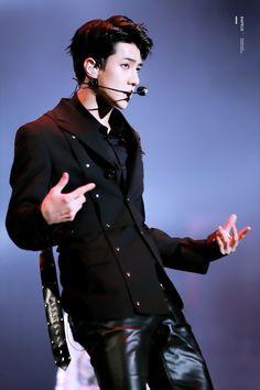 Sehun - 161202 2016 Mnet Asian Music Awards Credit: Dia Feliz.