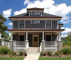 Historic Additions - traditional - Exterior - Chicago - Thomas J Ryan Jr - Architect Beautiful Front Porch Craftsman Exterior, House Paint Exterior, Craftsman Bungalows, Exterior House Colors, Exterior Design, Craftsman Homes, Craftsman Style, Roof Styles, House Styles