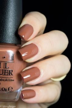 The 20 Trendiest Fall Nail Colors Fall Nails Inspiration Fall is undoubtedly the best time of the year to wear warm colors. Whether you're sporting an oversized beige sweater, walking around… Classy Nails, Cute Nails, Pretty Nails, Simple Nails, Cute Fall Nails, Brown Nail Polish, Brown Nails, Fall Nail Polish, Brown Nail Art