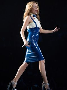 Kylie Minogue performs live in concert on her 'Kiss Me Once' tour - Part 4 Latex Wear, Latex Dress, Sexy Latex, Kylie Minogue Tour, Party Fashion, Girl Fashion, Kylie Minouge, Elegantes Outfit Frau, Mode Latex