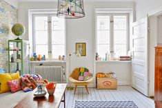 Colorful living room in a Swedish Home via My Scandinavian Home. Living Room Inspiration, Interior Inspiration, Swedish House, Swedish Style, Scandi Style, Scandinavian Home, Home And Deco, Design Case, House Colors