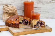 Recept voor bosvruchten-yoghurtcake voor 4 personen. Met zonnebloemolie, zout…