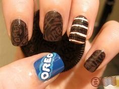 The Daily Nail - Not So Double Stuffed (Oreo nails) Love Nails, How To Do Nails, Pretty Nails, Fun Nails, Nail Art Designs, Tumblr Nail Art, Just In Case, Just For You, Garra