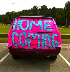 Alyce Paris News, Celebrity Fashion, Prom News, Humor, Videos 20 ways to do your promposal or homecoming invites Asking To Homecoming, Homecoming Proposal, Homecoming Ideas, Prom Posals, Homecoming Dance, Prom Invites, Invitations, Dance Proposal, Proposal Ideas