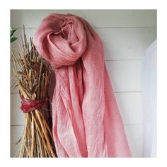 Linen scarf dyed with Quebracho. Natural Dyeing, Eco Friendly Fashion, Textile Artists, Vintage Fabrics, Textiles, Nature, Pink, Products, Naturaleza