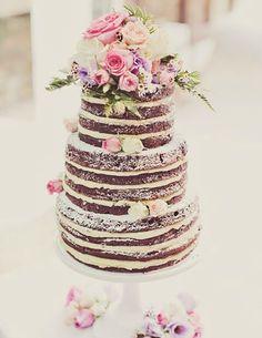 Wedding Cake with flowers // Wedding Dessert // #food #cake #cakedesign
