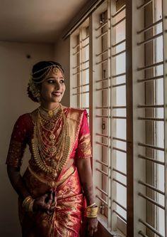 Kerala Bride, Indian Bridal Wear, Brides, Sari, How To Wear, Fashion, Indian Bride Dresses, Saree, Moda