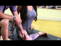 Video: Yoga Stretches for the Psoas Muscle | eHow