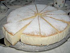 Lakäse sahne torte è una torta di ricotta tirolese, di origini tedesche, ma molto diffusa nel Trentino. Si tratta di una torta realizzata con due dischi di pan di spagna molto sottili, tipo pasta …