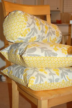 A Case of the Yellows: Bolster Pillow Tutorial