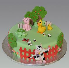 1 Year Old Birthday Cake, Farm Birthday Cakes, Animal Birthday Cakes, Birthday Cake Girls, Cupcakes, Cupcake Cakes, Farm Animal Cakes, Farm Animals, Different Kinds Of Cakes