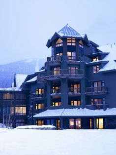 Last Minute Spring Ski Savings at Stowe Mountain Lodge, Vermont - Our luxury ski-in/ski-out accommodations, state of the art snowmaking and recent snow fall, along with our abundance of  amenities and après-ski options, only solidifies our ability to offer the most distinguished skiing experience in the Northeast. mywebtravelagent.com