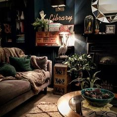 Eclectic Living Room Designs Incorporating Beautiful Mix of Interior Arts - Home Professional Decoration Dark Living Rooms, Boho Living Room, Home And Living, Bohemian Living, Modern Living, Cozy Living, Living Room Brown, Living Room Vintage, Cozy Eclectic Living Room
