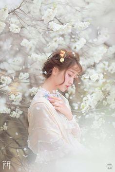 Princess Aesthetic, Cute Korean Girl, Foto Pose, Asia Girl, Ulzzang Girl, Portrait Photography, Photography Ideas, Flower Girl Dresses, Photoshoot