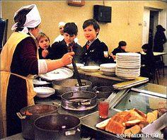 Эти блюда из школьных столовых запоминаются на всю жизнь http://kleinburd.ru/news/eti-blyuda-iz-shkolnyx-stolovyx-zapominayutsya-na-vsyu-zhizn/