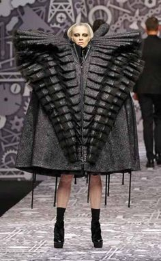 Fashion show architecture viktor rolf 63 ideas fo Couture Fashion, Runway Fashion, Fashion Art, Fashion Show, Fashion Design, Fashion Ideas, Viktor & Rolf, Victor And Rolf, Origami Fashion