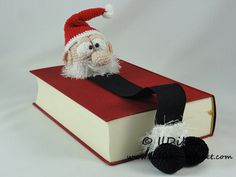Amigurumi Crochet Pattern - Santa Claus Bookmark