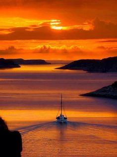 Coucher de soleil à Solsviksundet, Norvège