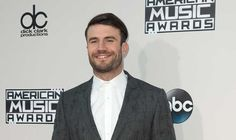 7 People Who Definitely Fell in Love with Sam Hunt During the GRAMMYs