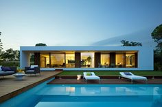 Architecture, Architecture: Interesting Deluxe Spanish Property, On Exterior Villa Indigo: Luxurious Spanish Property with Large Infinity Pool