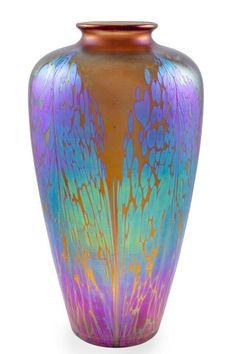 Vase Johann Loetz Witwe decor Medici Maron PG 2/484 Circa 1902 vintage home decorative vase for living room decor.