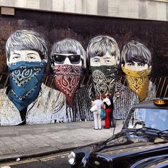 Absolutely love everything about this pic! >> Street art - New Oxford St. #London via @liorf #streetart #art