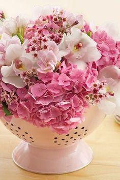 scolapasta-fiori-tavolo