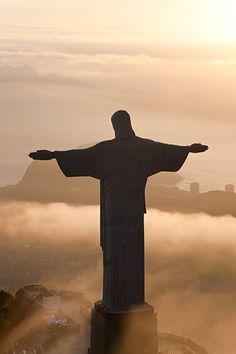 'Christ The Redeemer' statue in Rio de Janeiro, Brazil <3
