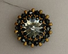 Sidonia's handmade jewelry - How to bezel an 18mm Swarovski rivoli