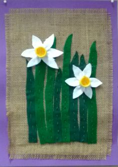 Narsissitaulu, 2 lk Classroom Art Projects, School Art Projects, Easter Art, Easter Crafts, Spring Crafts For Kids, Art For Kids, Flower Crafts, Flower Art, Hessian Crafts