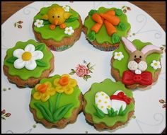 cupcakes - pasen / eastern Easter Cupcakes, Easter Cookies, Baking Cupcakes, Cake Decorating Tutorials, Cookie Decorating, Moon Cake, Easter Recipes, Cupcake Toppers, Fondant