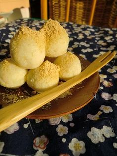 Fiber-Packed Okara Mochi for Dieters Recipe - How are you today? How about making Fiber-Packed Okara Mochi for Dieters? Low Carb Sweets, Healthy Sweets, Japanese Sweets, Japanese Food, Sweets Recipes, Bread Recipes, Asian Desserts, Best Dishes, Other Recipes