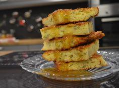 Οι τυρόπιτες αρέσουν σε όλους, αυτό όμως που κάνει πιο δύσκολη τη διαδικασία καμιά φορά είναι το άνοιγμα του φύλλου. Γι αυτό και σας έχουμε μία εξίσου νόστιμη τυρόπιτα χωρίς φύλλο, που φτιάχνετε πολύ εύκολα και θα σας ενθουσιάσει με τη γεύση της.