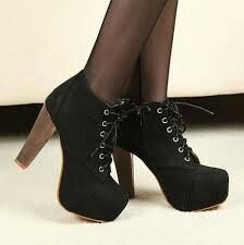 Love these black boots looks sooo beautiful and amazing my favourite.