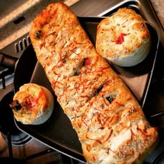 A different form of pizza, Pizza bread