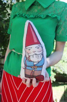 Knitting gnome https://www.etsy.com/shop/MultiplePersonality #saraharvey #handmade #etsy