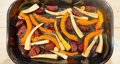 Geroosterde groente uit de oven is niet alleen heel erg lekker, het is ook heel makkelijk om te maken en heel gezond.