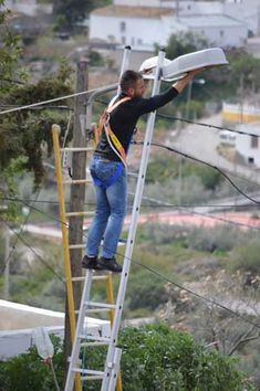 Health and #Safety in Spain - how not to do work at height