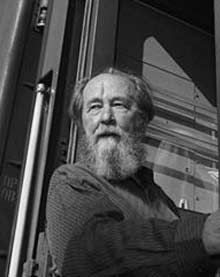Aleksandr Solzhenitsyn ~ Nobel Prize in Expelled from Soviet Union in 1974 & returned to Russia in Wrote Gulag Archipelago & One Day in the Life of Ivan Denisovich among others. Nobel Prize In Literature, Nobel Prize Winners, Russian Literature, Myself Essay, Writers And Poets, Famous Words, Influential People, Foreign Policy, Book Authors
